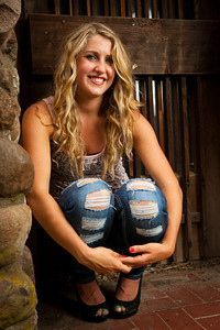 Taylor Lutz Senior Picts-0679
