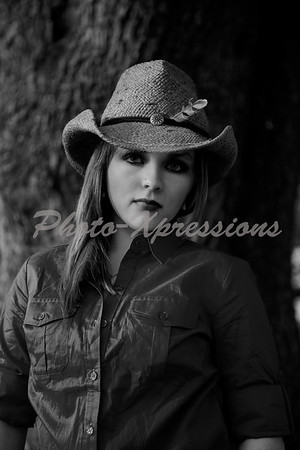 faith b&w_5808