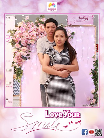 "Sense City | ""Love Your Smile"" Women's Day activation instant print photo booth @ Giga Mall Pham Van Dong 