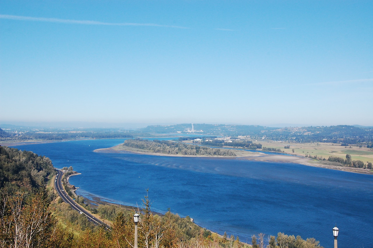 View of the Columbia River looking towards Portland from the Vista House.