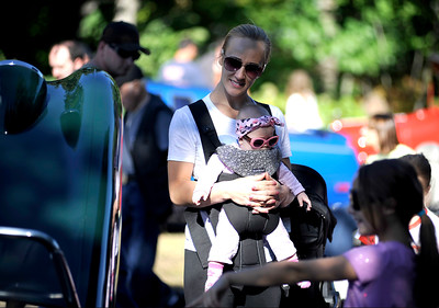 9/24/2016 Mike Orazzi | Staff Izabela Biadun and her daughter Mya Vanessa during the Bristol Mum Festival on Saturday on Memorial Blvd.
