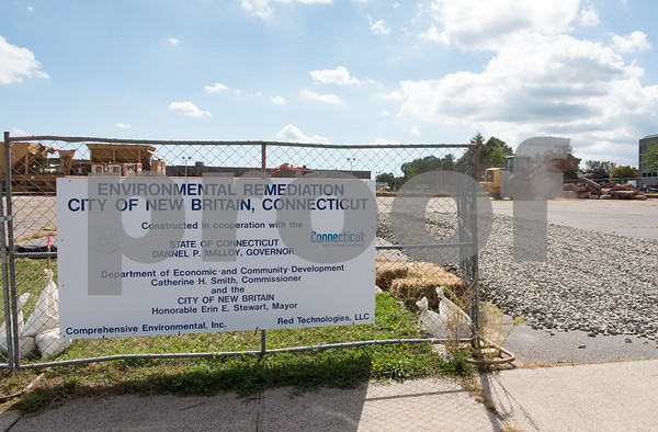 09/15/17 Wesley Bunnell | Staff Environmental cleanup is underway on a lot on Bosco Drive as part of Connecticut & New Britain environmental remediation program.