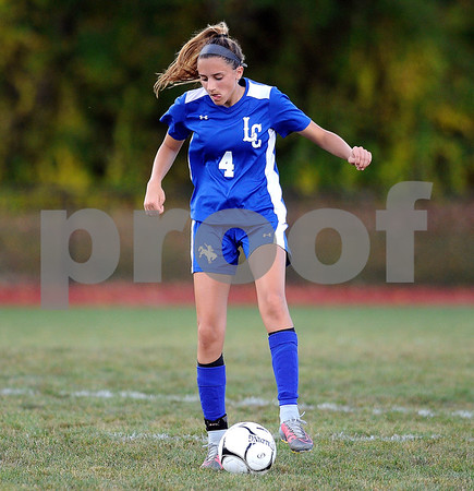 9/27/2017 Mike Orazzi | Staff Litchfield's Alexa Guerrera (4) during Wednesday's soccer match at Terryville High School.