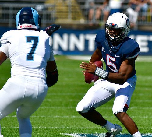 9/15/2018 Mike Orazzi   Staff UConn's David Pindell (5) during Saturday's win over the University of Rhode Island in East Hartford.