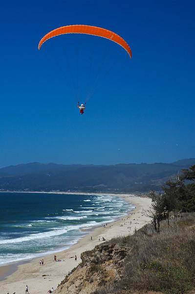 Hang-gliding on Half Moon Bay