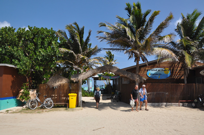 We arrive at the Wind & Surf Beach Hut to enjoy lunch