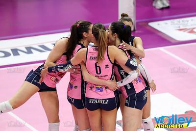 Pomì Casalmaggiore 0 - Unet Yamamay Busto Arsizio 3 Gara 2 - Quarti di Finale Serie A1F 2016/2017 Pala Radi, Cremona (CR) - 19 aprile 2017