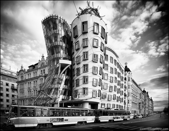 Dancing Building, Prague, 2015
