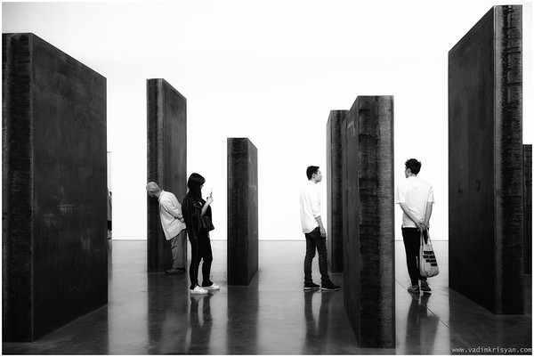 Interaction with Serra Installation, New York, 2016