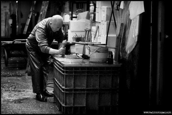End of day knife cleaning, Tsukiji Market, Tokyo, 2014