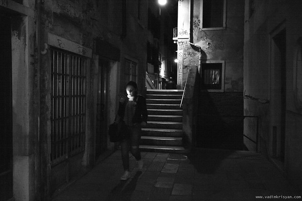 Calle at Night (Narrow Streets), Venice, 2016