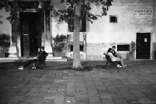 2 Couple at Nights, Cannaregio, Venice, 2016