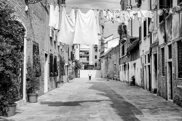Local Life in Dorsoduro, Venice,2016