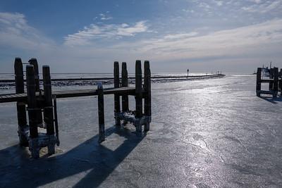 Haven Terschelling met pier en bevroren zee #2
