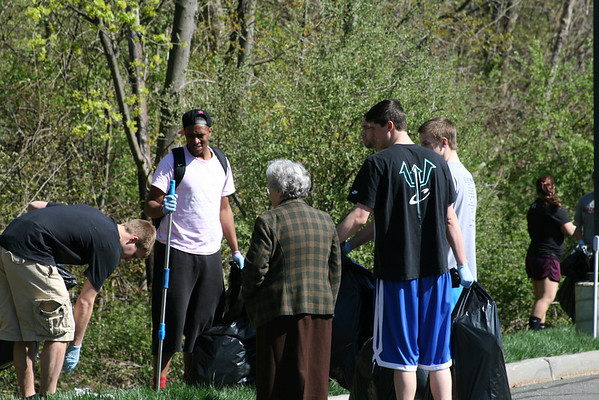campus cleanup earthweek 2013