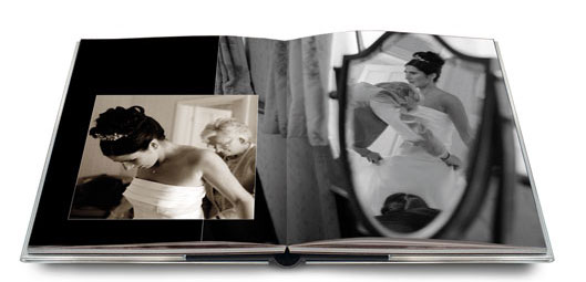Magazine wedding albums utilize the latest album technology for creating a truly unique and beautiful wedding album.