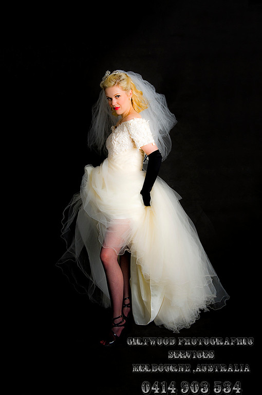 Model Portfolio. Taneill Hardy by Mike Gleeson, Giltwood Photographic Services. 0414 903 534