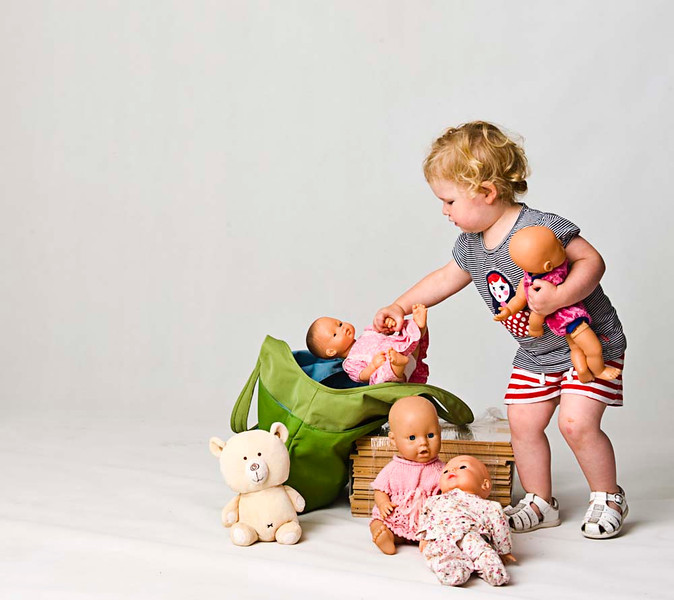 Children's Photographer, Mike Gleeson, Giltwood Photographic Services, Melbourne, Victoria, Australia. 0414 903 534