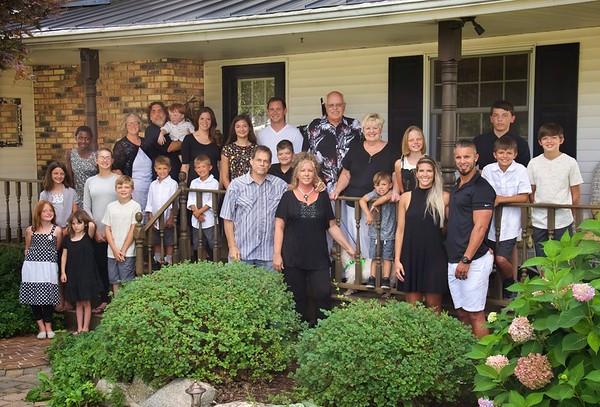 17_07_30 Jon & Joan's Home Family Portraits
