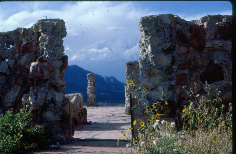 "Hornbrook ruin's south of Boulder [""Stonehenge""] (Found  by William Bower, thanks)"