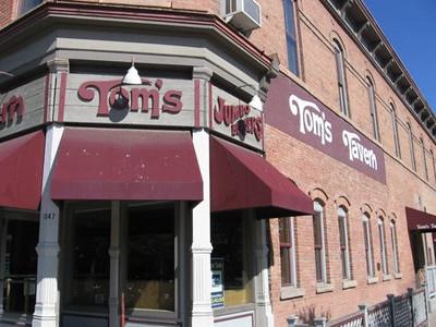 Toms Tavern (found by Karen Eifler, thanks)