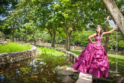 IMG_6995_July 06, 2013_Sesion de quinceaños Nicole @ Parque Mirador Norte