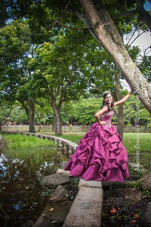 IMG_6994_July 06, 2013_Sesion de quinceaños Nicole @ Parque Mirador Norte