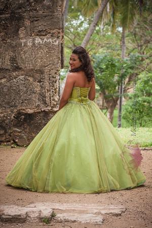 IMG_1712 January 03, 2014Sesion de Quinceaños de Maria Isabel