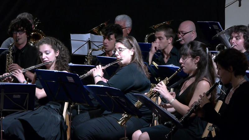 Oye come Va, Tito Puente. Solista al sax Andrea Leone, alla tromba Marco Callegari.