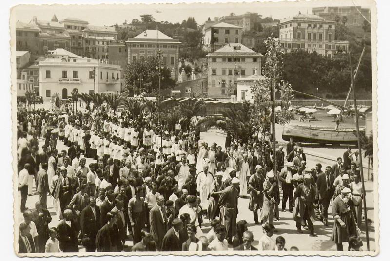 Sestri Levante, July 1934; the Madonna del Carmine procession in Sestri Levante.<br /> <br /> Luglio 1934; la processione del Carmine lasciata la chiesa di Santa Maria di Nazareth ritorna alla chiesa di Santo Stefano del Ponte.
