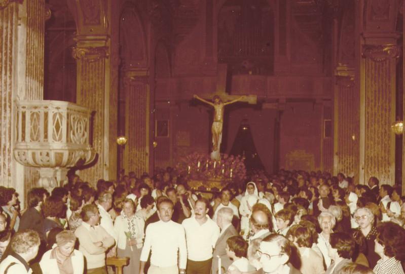 13th August 1978: the Santo Cristo inside the church of Santa Maria di Nazareth.<br /> <br /> 13th agosto 1978: il Santo Cristo in procinto di lasciare Santa Maria di Nazareth per la processione venticinquennale.