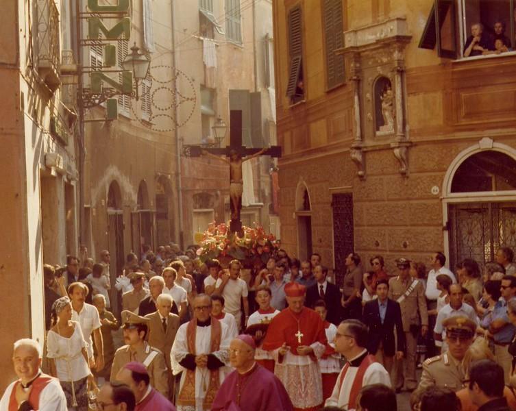 1978 procession with cardinal Pignedoli.<br /> <br /> La processione venticinquennale del 1978 con il cardinal Pignedoli.