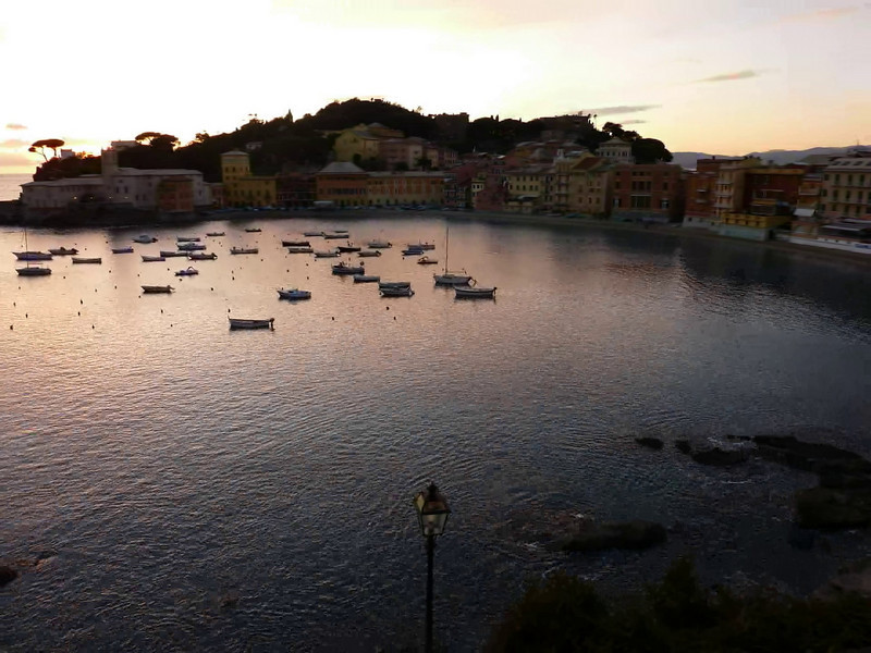 Sestri Levante, time-lapse at dusk with a Panasonic TZ7/ZS3. Full hd video (1080p).