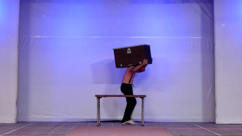 Video della serata di Nomadelfia in tournee a Sestri Levante, 21 agosto 2010. Il bel numero del clown e della valigia.