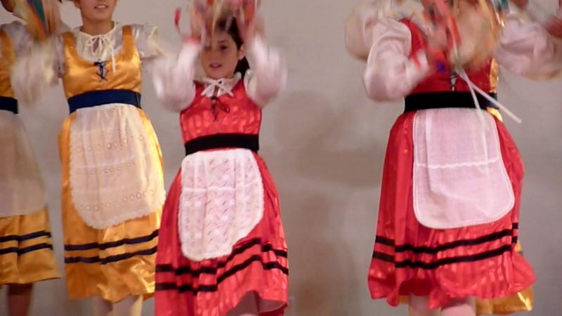 Video della serata di Nomadelfia in tournee a Sestri Levante, 21 agosto 2010. La tarantella.