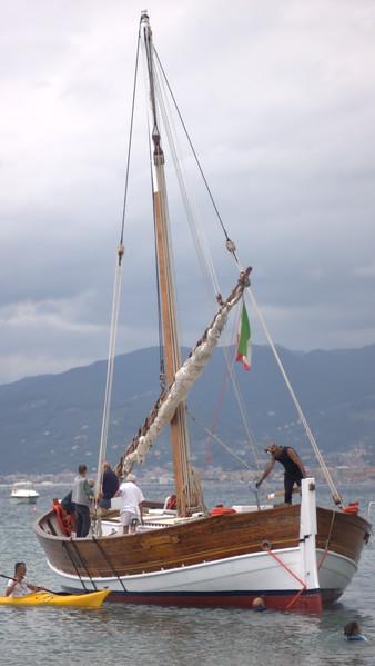 """Sestri Levante, 20 luglio 2012. Varo del leudo """"Nuovo aiuto di Dio"""""""