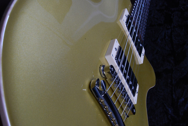 Set Neck Custom, Gold Top, HH Pickups