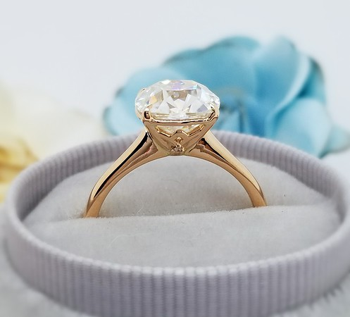9mm Antique Cushion Moissanite in Stuller Solitaire