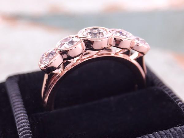 1.31ctw OEC Diamond Five Stone Band by Sholdt