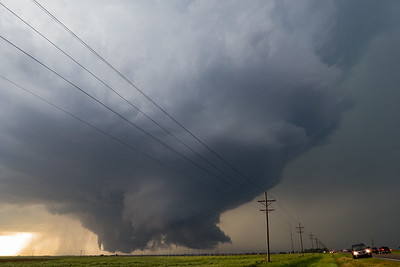 Dodge City Kansas Tornado Family