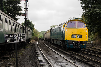 D1062 'Western Courier' at Bridgnorth