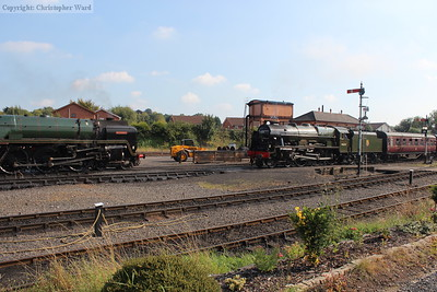 A meeting of giants as Royal Scot and Britannia rub shoulders at Kidderminster