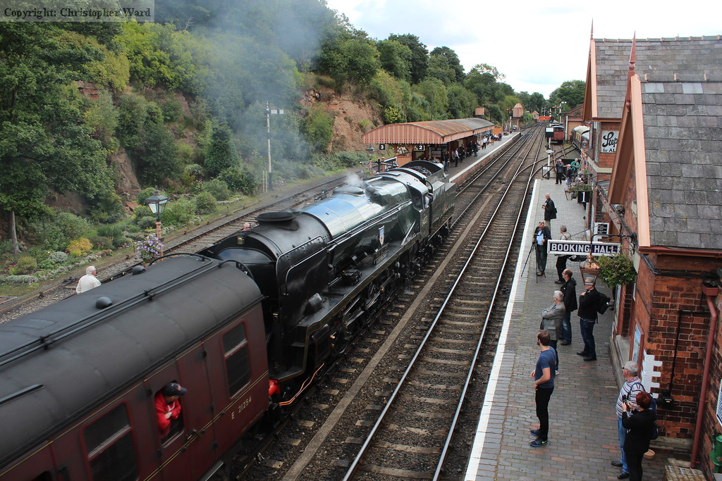 34027 runs in with the Kidderminster-bound train