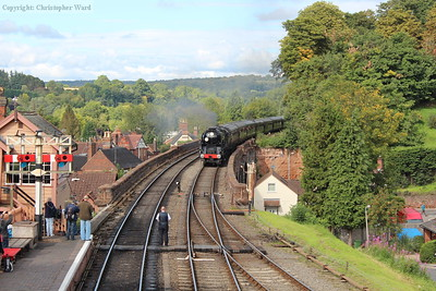 34053 arrives with the LMS stock from Bridgnorth