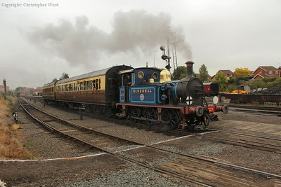 323 makes an incongruous sight with the GWR carriages