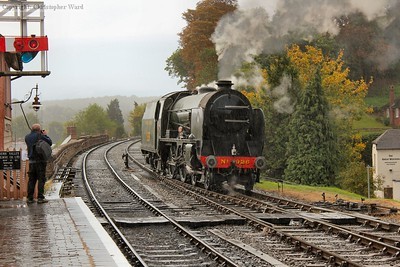 In a shower, 926 runs back toward Bridgnorth
