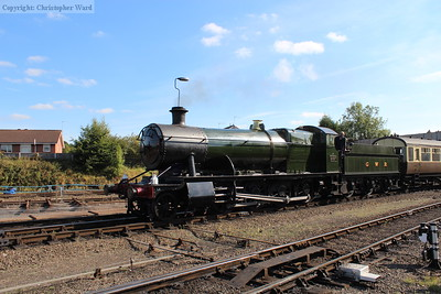 2857 rolls in with the GWR stock