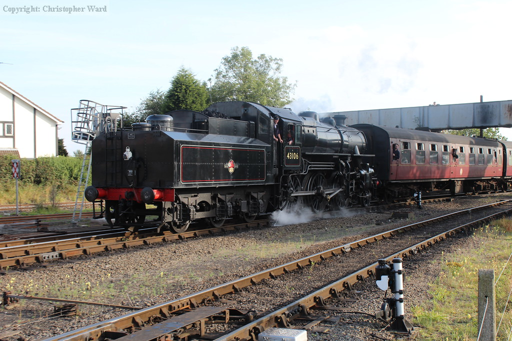 The 'Flying Pig' runs in from Bridgnorth
