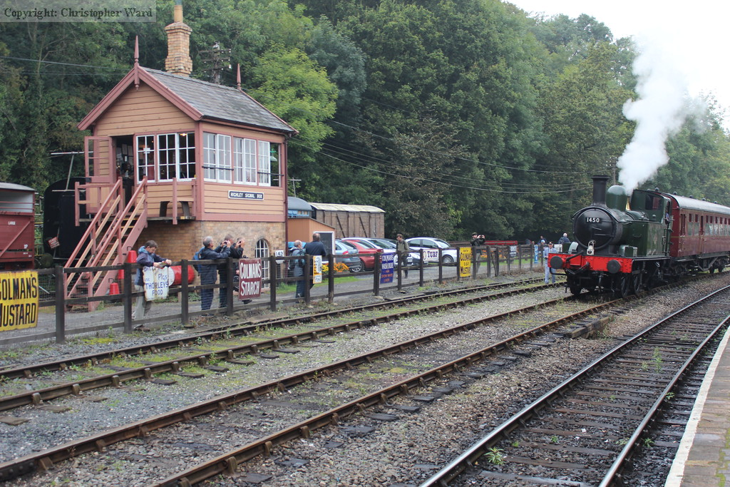 1450 sits in the loop outside the signalbox