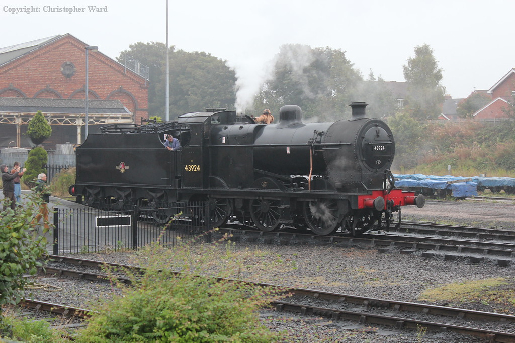 The 4F runs through and heads for Bewdley light engine